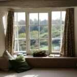Fenêtre avec rideau